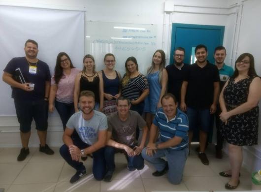 Turma que participou do curso sobre P.P.C.P com análise dos recursos de B.I. em Blumenau