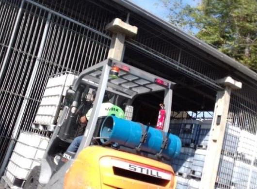 Operação de empilhadeiras e pontos de logística